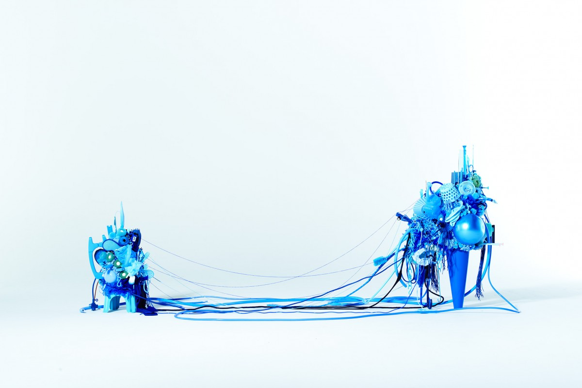 《Blue》 / 2013 / h120×w200×d80cm / Mixed media