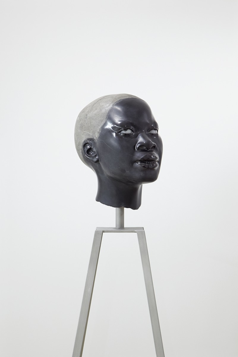 《Portrait - Exquisite Pleasure #3》 / Brack Marble, Alabaster, Gray Marble [Stand : Stainless] / W18.0 × H33.0 × D27.0 cm [Stand : W50.5 × H114.5 × D50.6 cm] / 2018 / Photo : Jyunpei HARADA