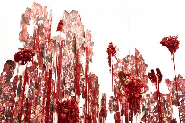 荒木由香里 Yukari Araki《Red》installation view / Mixed media / 2016 [Photo:Yoshihiro Ozaki]LOKO GALLERY