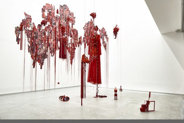 荒木由香里 Yukari Araki《Red》installation view / Mixed media / 2016 [Photo:Yoshihiro Ozaki]LOKO GALLERY GALLERY